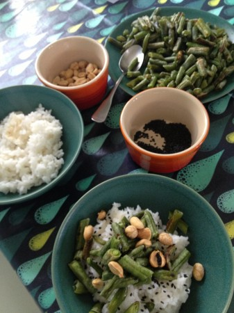 green beans peanuts sesame seeds deconstructed rice bowl